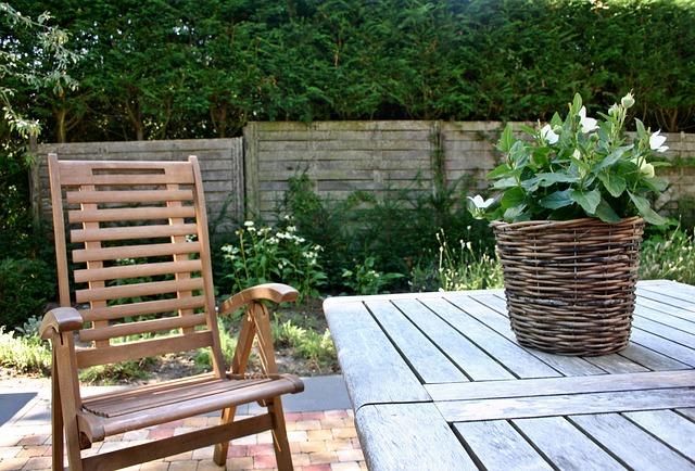 Maak het uzelf gemakkelijk in de tuin